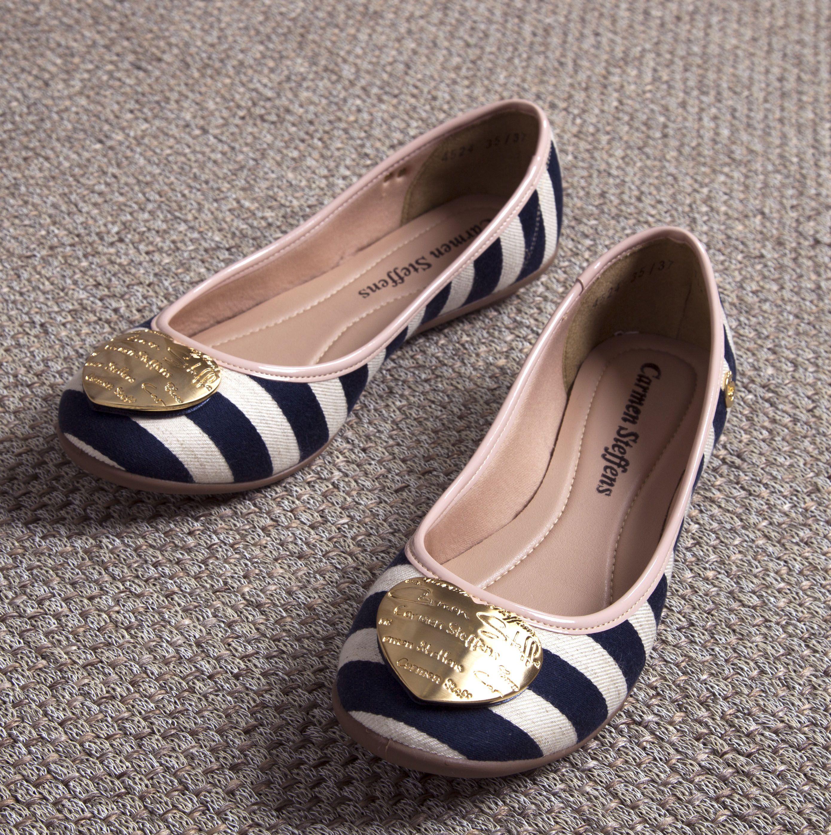 fb97e25942 Sapatilha Navy Carmen Steffens! Todo conforto e charme traduzidos neste  calçado!