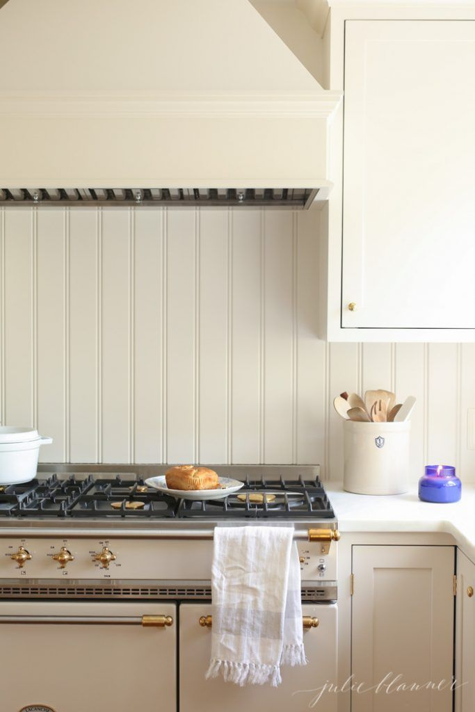 Pin By Julie Hunn On Kitchens Kitchen Remodel Kitchen Decor Modern Country Kitchen