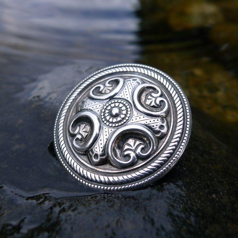 Räisälän solki hopeaa