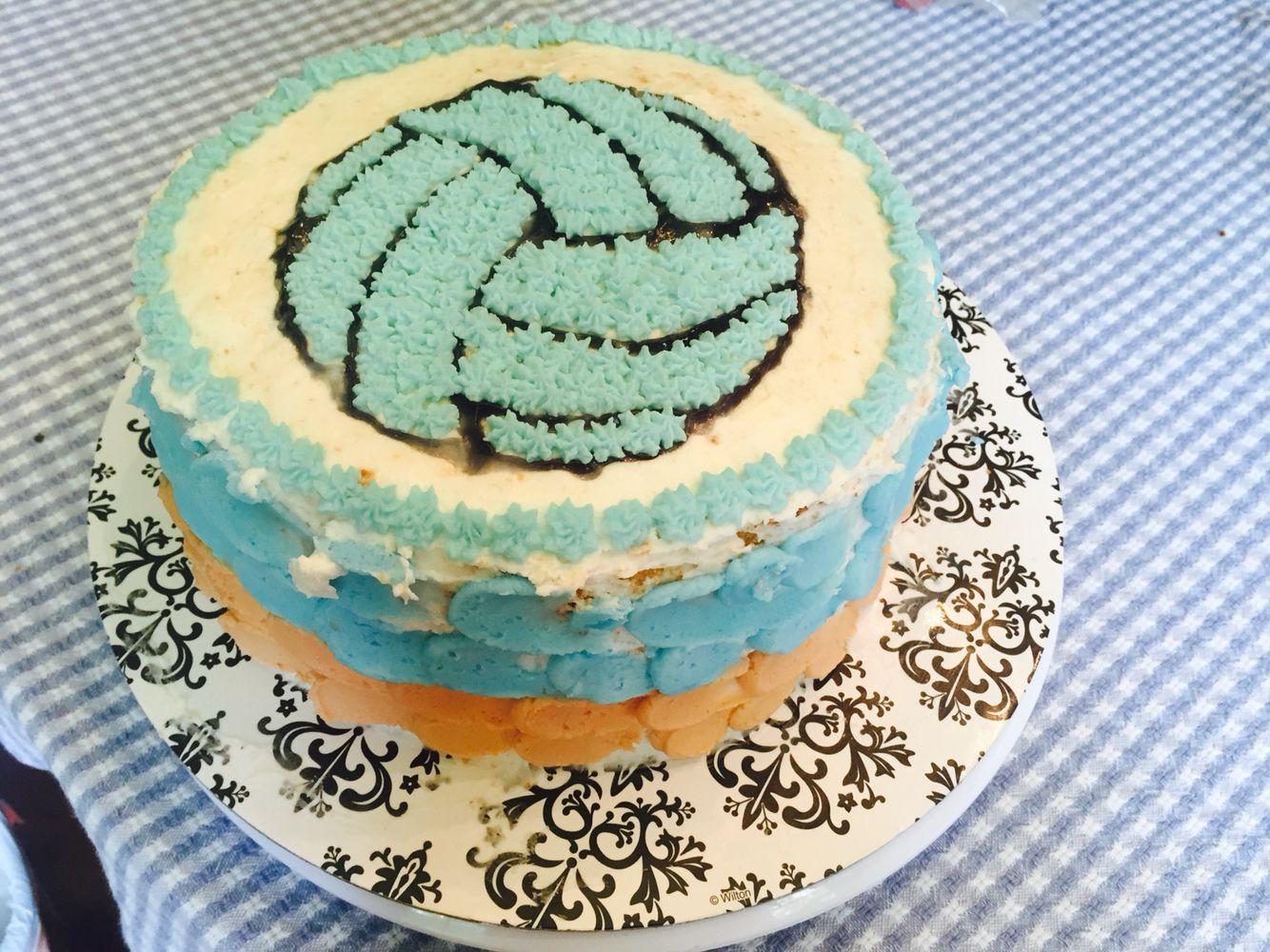 Made This Vanilla Oreo Filling Volleyball Cake Today Cakes Today Amazing Cakes Vanilla Oreo