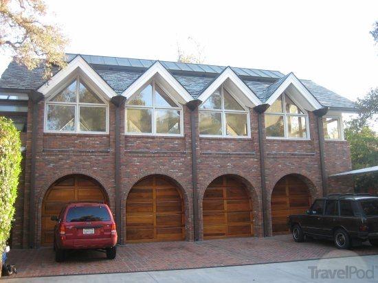 Four-Car Garage: Two cars, one auto garage bay, one woodshop bay ...
