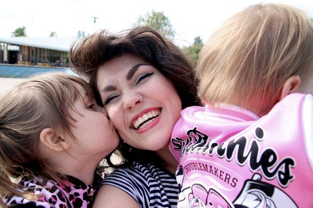 Rock'n'roll children & maailman paras täti: http://www.emp.fi/blog/vaatteet_ja_tyyli/vaatteet_ja_muut_tuotteet/rocknroll-children/?wt_mc=sm.pin.fp.blogi-rocknroll-children.14072015