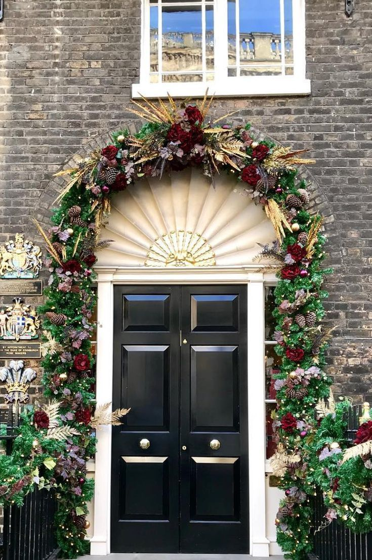35+ Free Christmas Door Decoration To Make Your Home The Jolliest On The Block New 2020 - Page 8 of 35 #christmasdoordecorationsforwork christmas door; christmas door hangers; christmas door decor; christmas door decorations for work; christmas door wreaths; #christmasdoordecorationsforwork