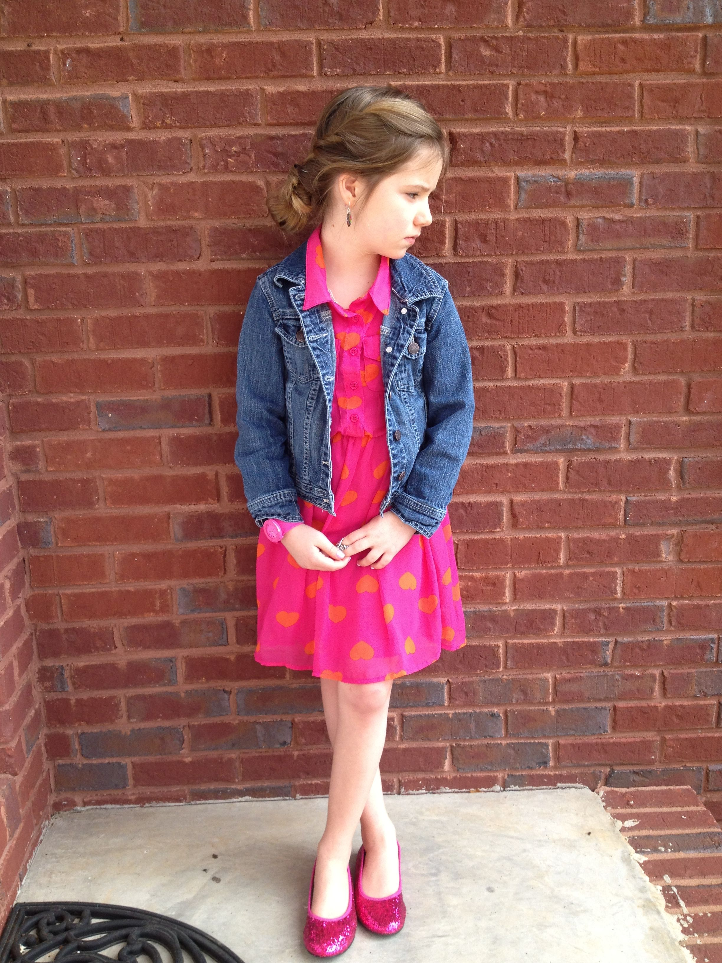 Simple but dressy. Cute blog for the stylish young girl. www.madditheblog.blogspot.com