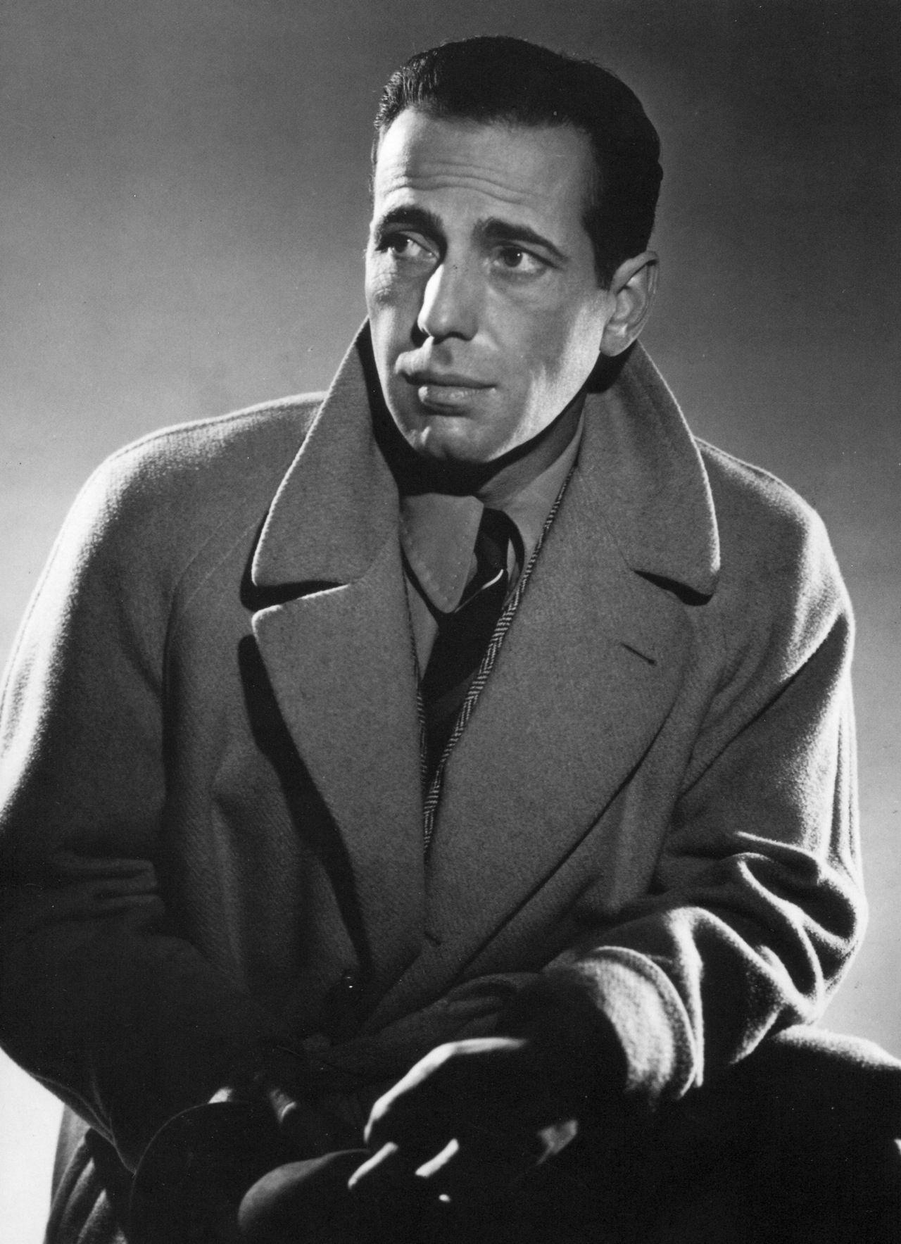 Humphrey Bogart In A Publicity Photo For The Maltese Falcon Directed By John Huston 1941 Humphrey Bogart Bogart Classic Movie Stars