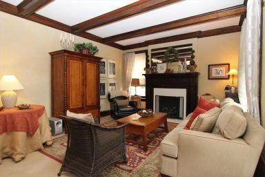 3905 Millsbrae Ave Cincinnati, OH 45209 Home Decor
