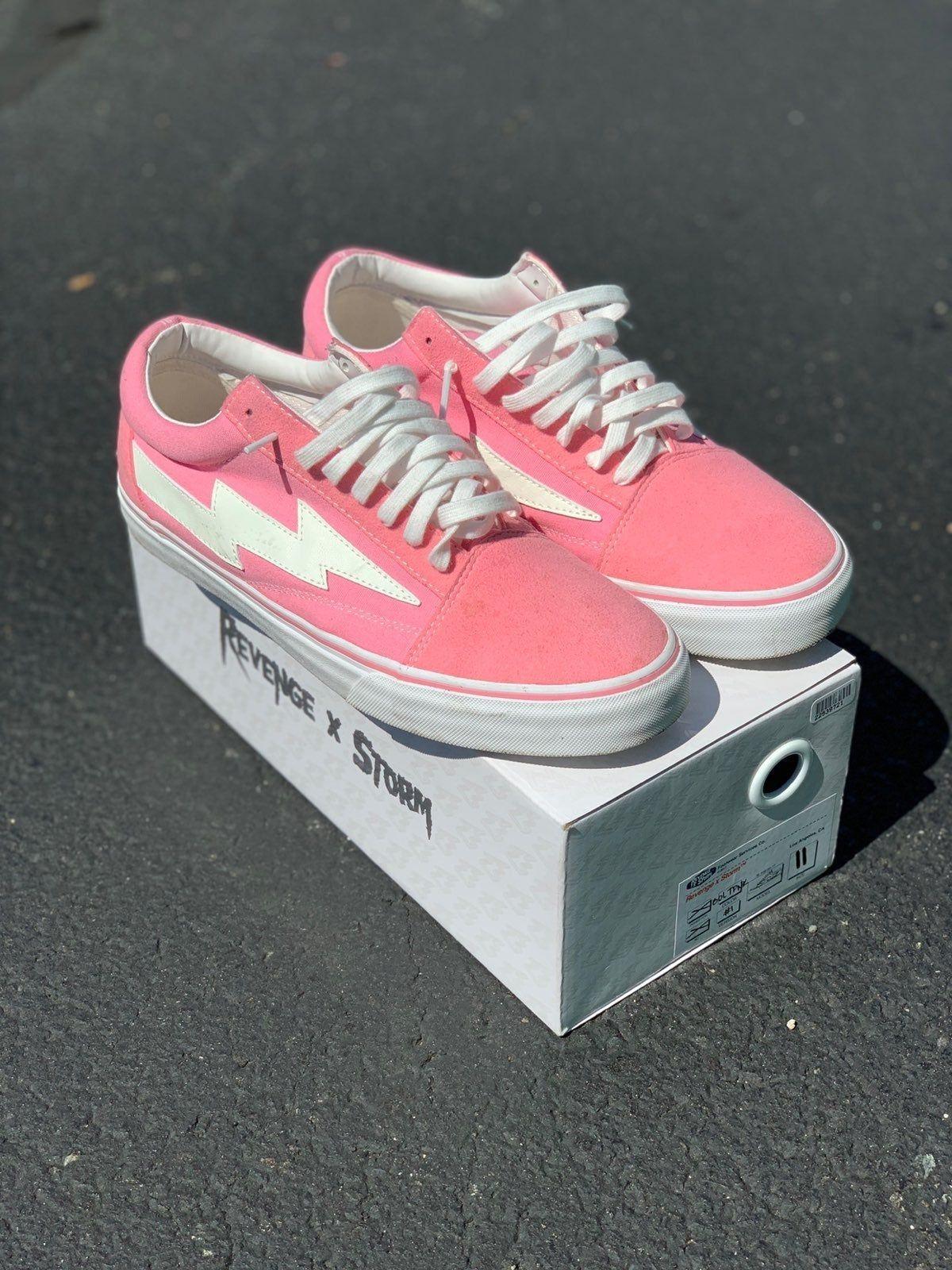 Revenge x storm bolt pink Size 11 100