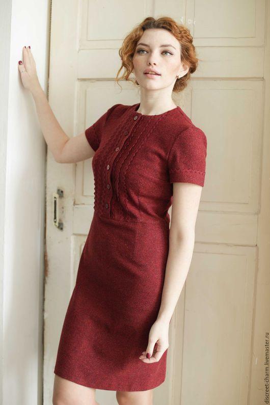 dbd31070aa9 Платья ручной работы. Ярмарка Мастеров - ручная работа. Купить  Ягодно-бордовое шерстяное платье с коротким рукавом и кружевом. Handmade.