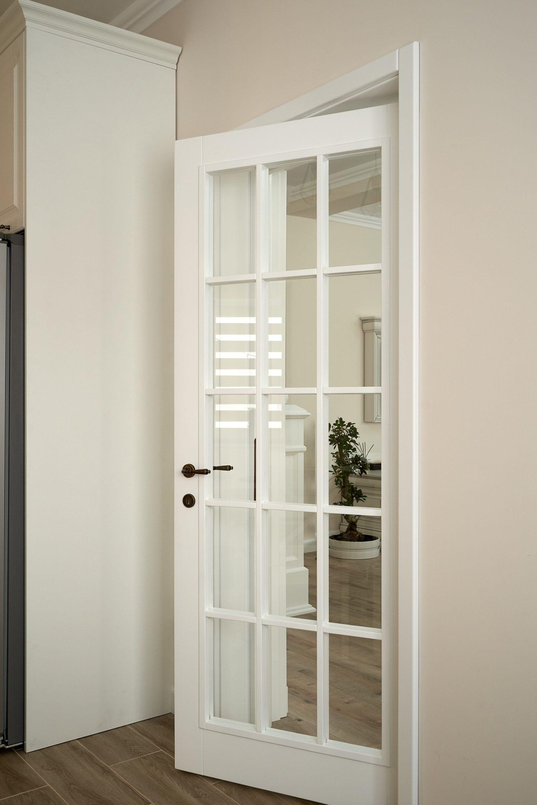 Ușa albă, potrivită oricărui stil – Usi din lemn masiv la co…
