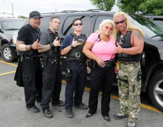dog the bounty hunter his wife beth and the bounty crew