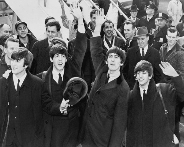 THE BEATLES IN AMERICA MUSIC BAND 8X10 PHOTO JOHN LENNON 1964