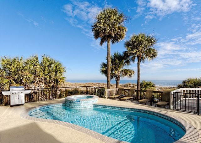 Roadrunner 5 - Vacation Home Rental in Forest Beach, Hilton Head Island, SC. Next years all family 2017 summer vacation...15 people! Yikes!