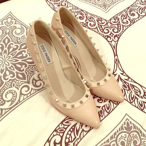 """Steve Madden Studded Patent Heel Nude patent 3"""" heel in excellent condition. No scuffs. Steve Madden Shoes Heels"""