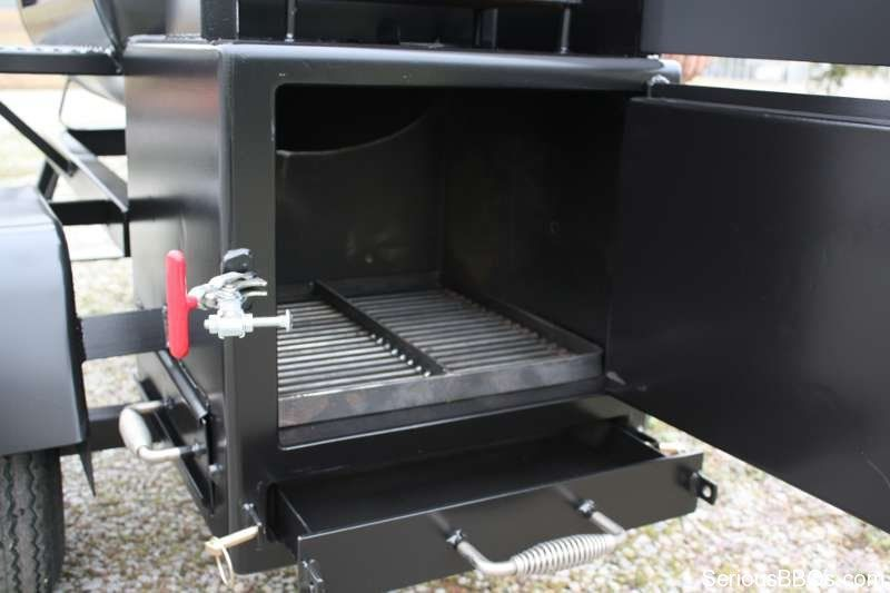 Open fire box with removable ash pan on ts120p offset