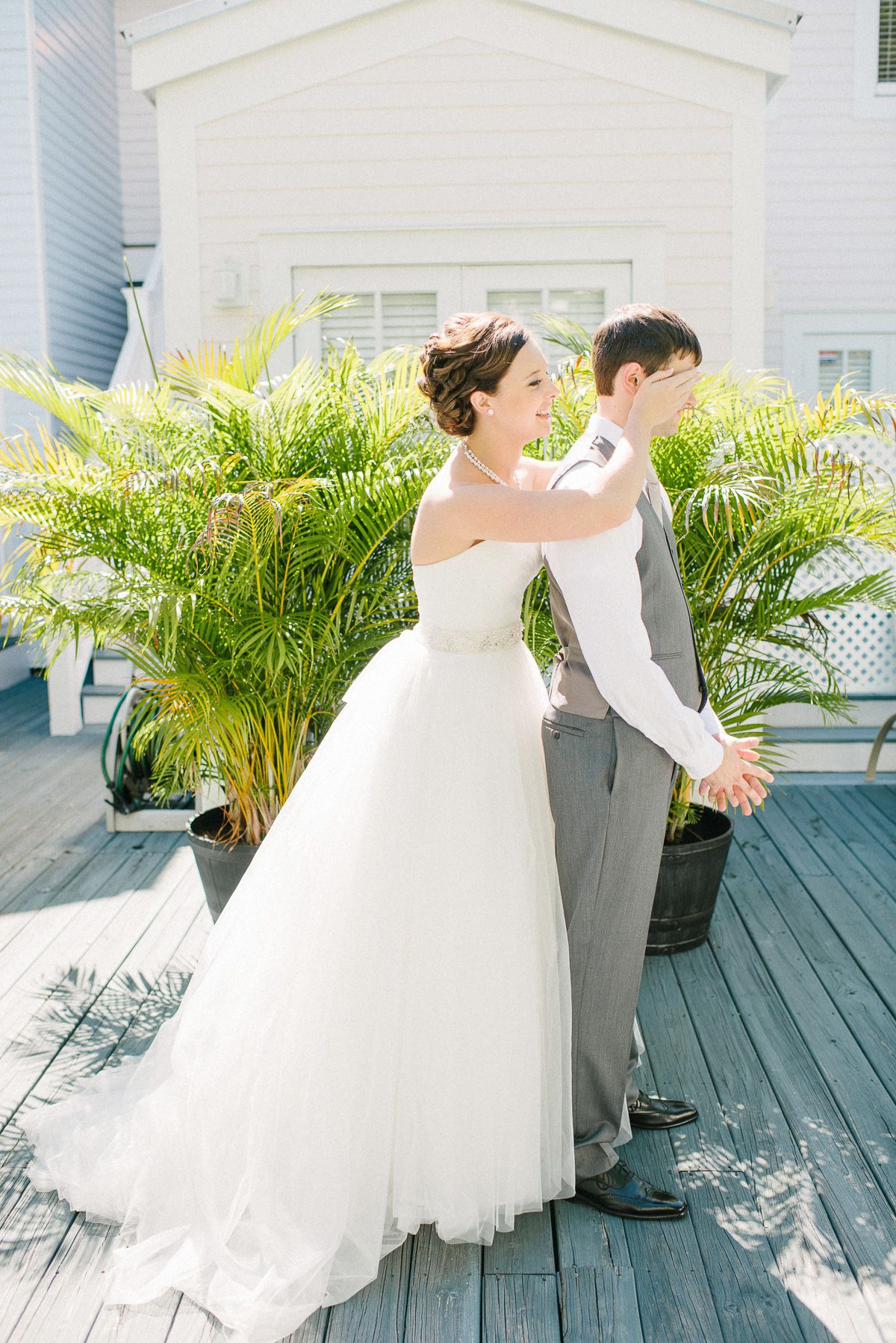 intimate wedding at Hemingway House in Key West / photo by sunglowphotography.com
