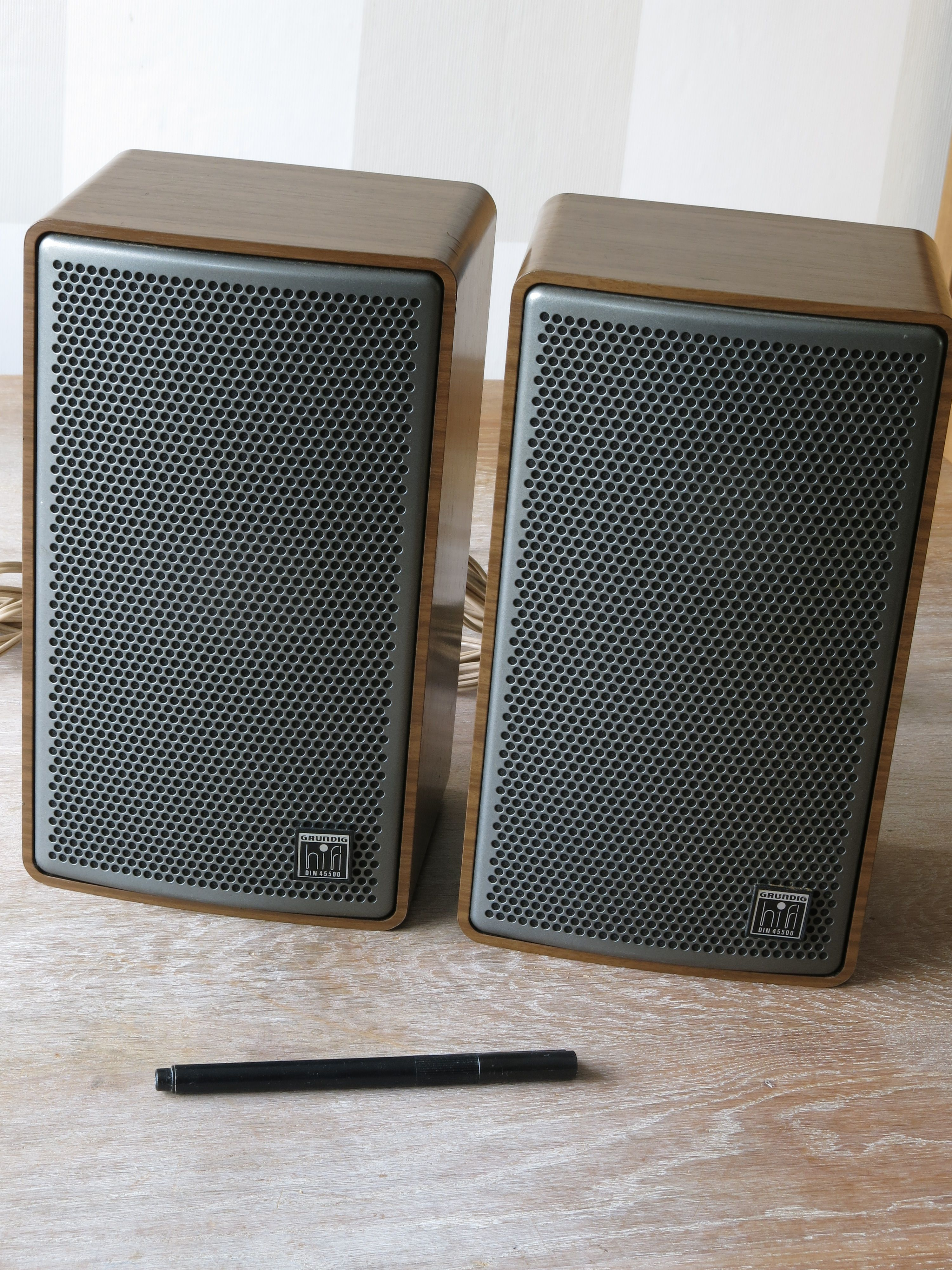Vintage GRUNDIG Super-HiFi Mini Box 330 Loudspeakers | vntgc