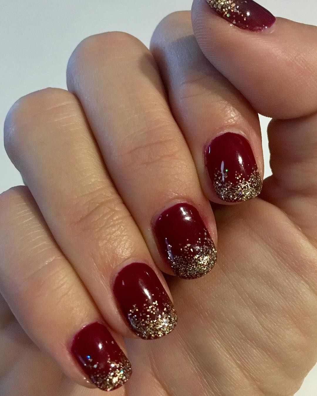 nonugly holiday nail designs youull actually want to copy
