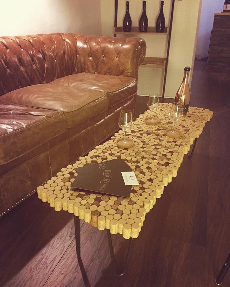 Atelier Ripaton Hairpin Legs Table Basse Tres Fun Realisee Avec Des Bouchons De Liege Pour Les Fans De Bouchons De Liege Decoration Table Basse Table Basse