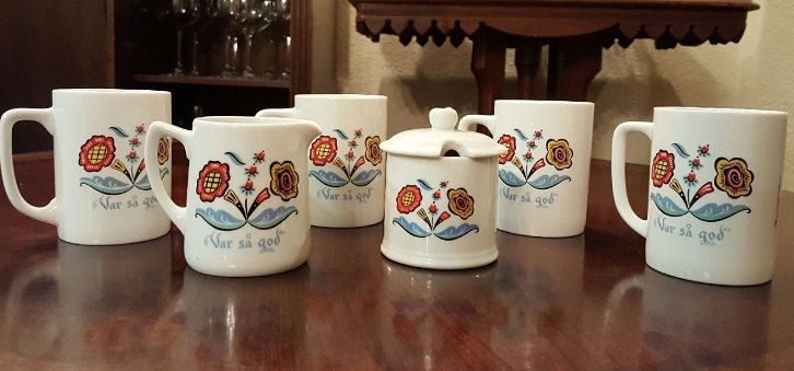 "Berqquist Imports ""Var så god"" flower coffee cup set by CnWsTexasTreasures on Etsy"