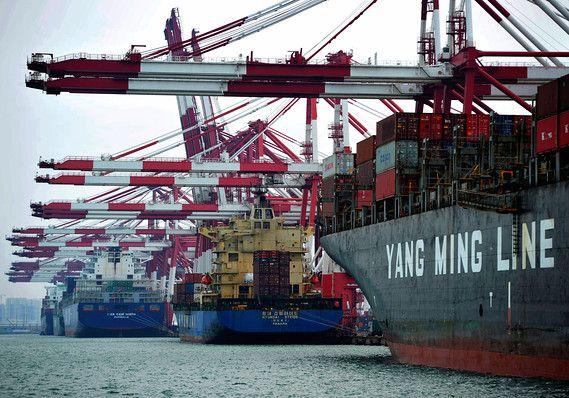US trade deficit in Trumpu0027s first year soars to 9-year high of - küchenstudio hamburg wandsbek