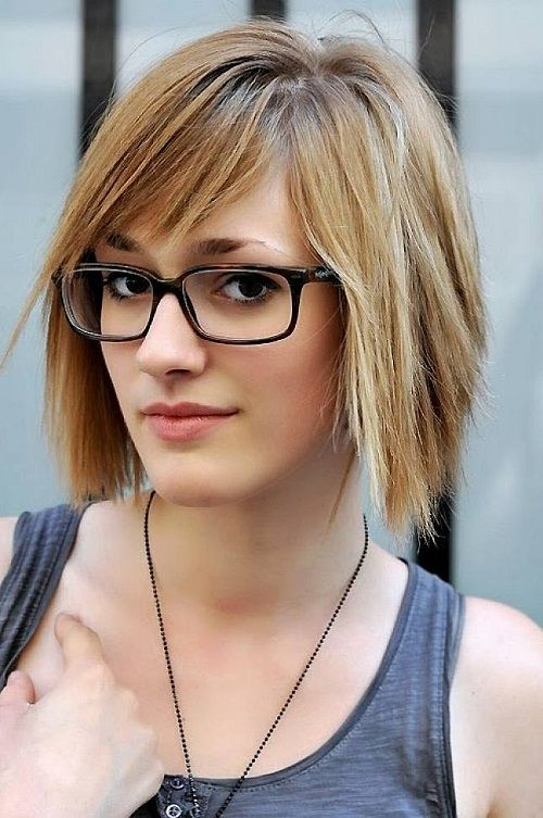 layered short hairstyles with side