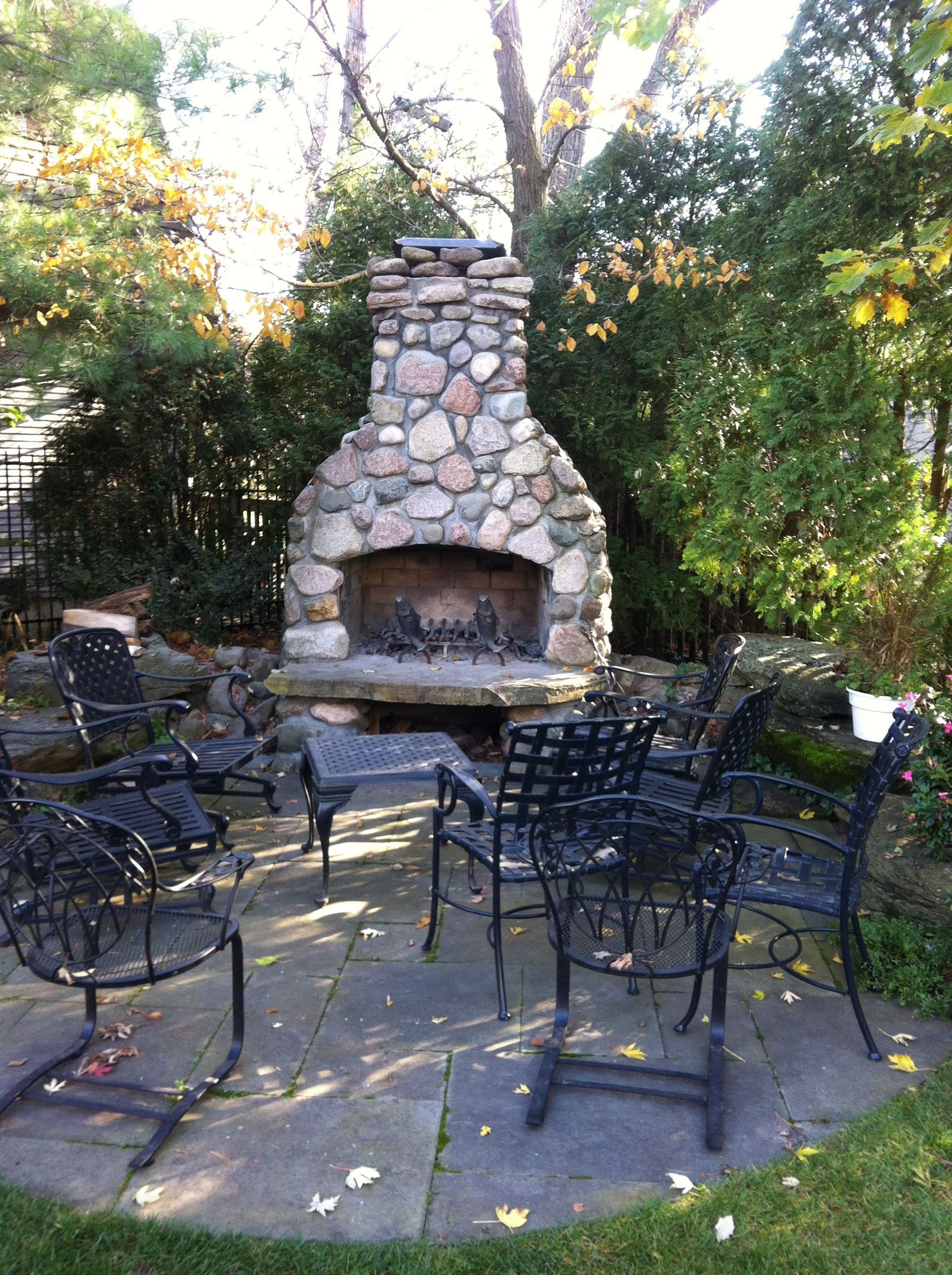 River Rock Outdoor Fireplace Wood Burning Fireplace