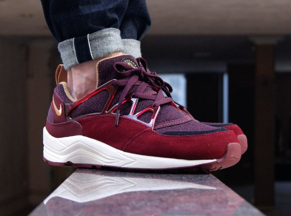 wholesale dealer dbed3 4cbd9 Nike Air Huarache Light Burgundy Gold Red | shoes | Sneakers ...