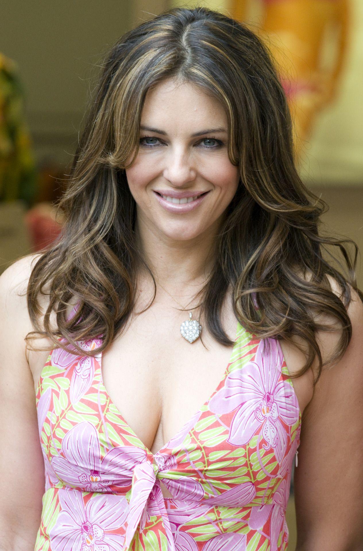 cleavage Elizabeth hurley