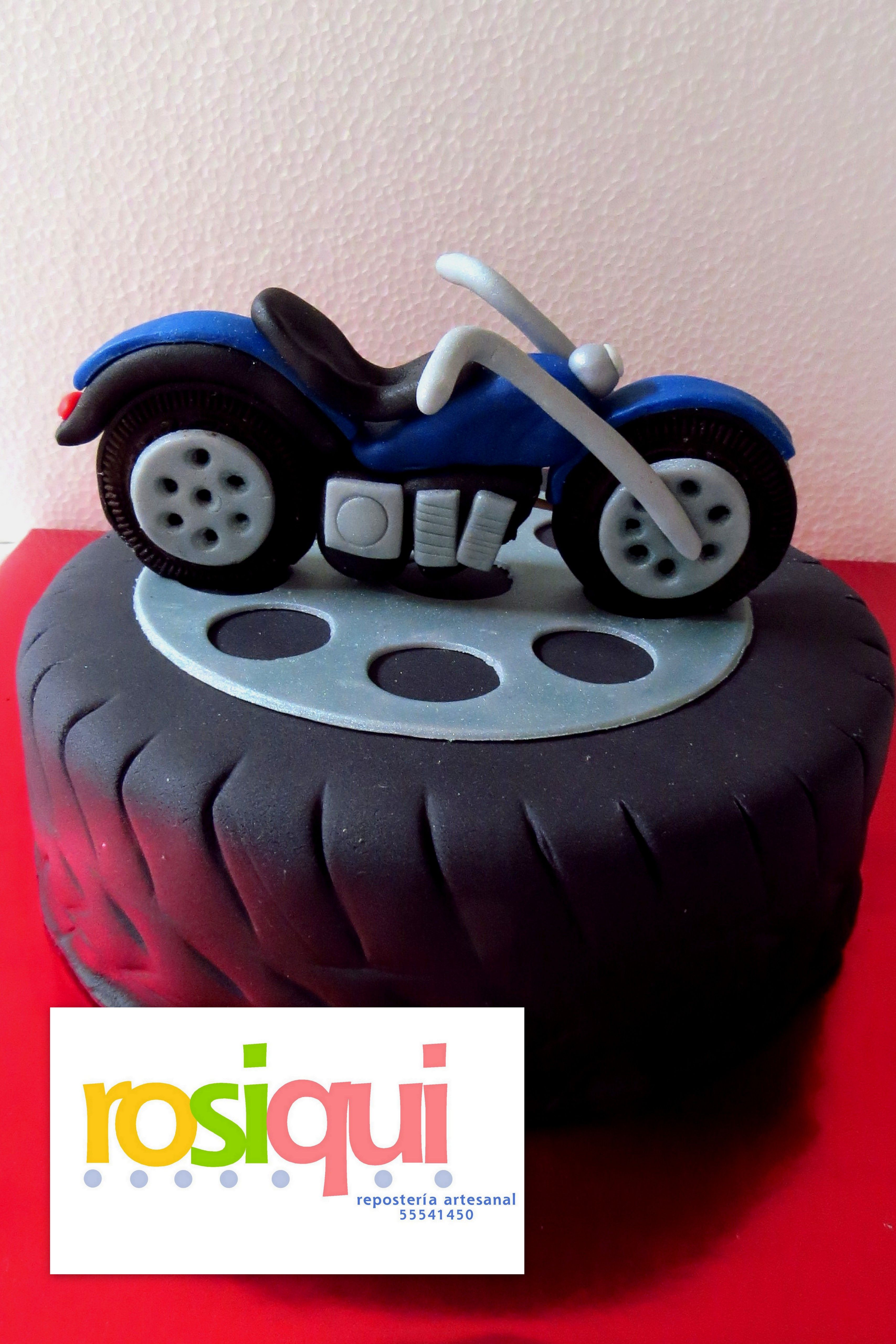 Pastel motocicleta de fondant motorcycle fondant cake fondant pinterest bolo e festa for Motorbike template for cake