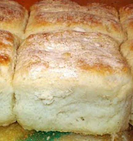 7 Up Biscuits 4 Cups Bisquick 1 Cup Sour Cream 1 Cup 7 Up 1 2 Cup Melted Butter M 7 Up Biscuits Recipe Biscuit Recipe Bisquick Recipes