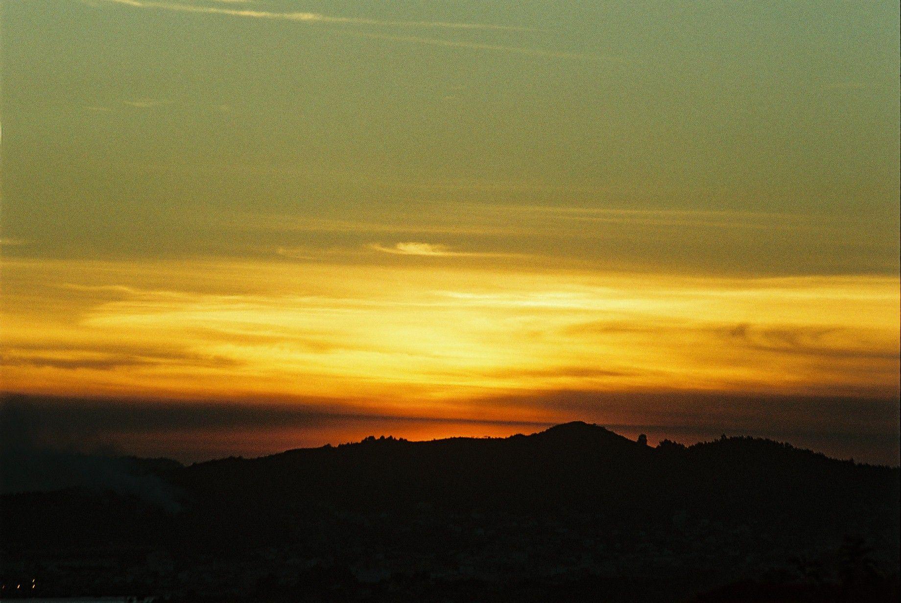 Una puesta de Sol...........