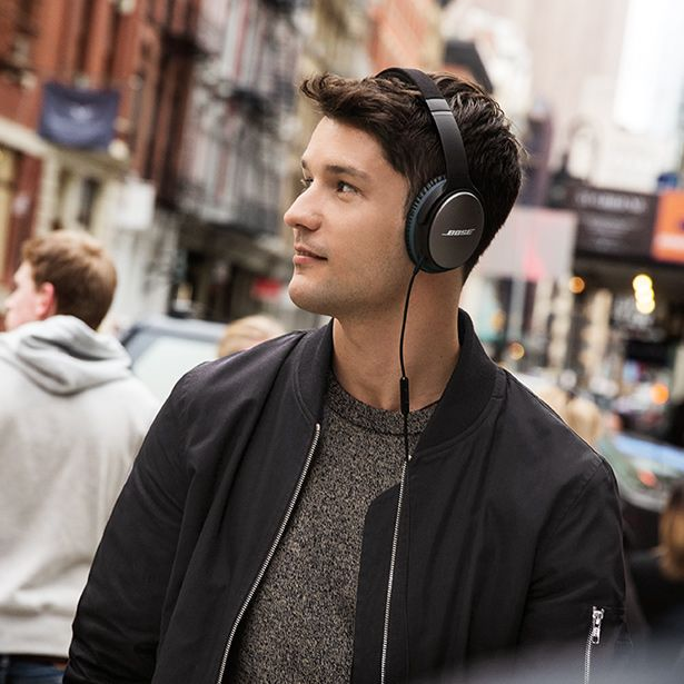 Introducing Bose Quietcomfort 25 Acoustic Noise Cancelling Headphones The Advanced Proprietary Technology Gets Mo Headphones Bose Headphones Noise Cancelling