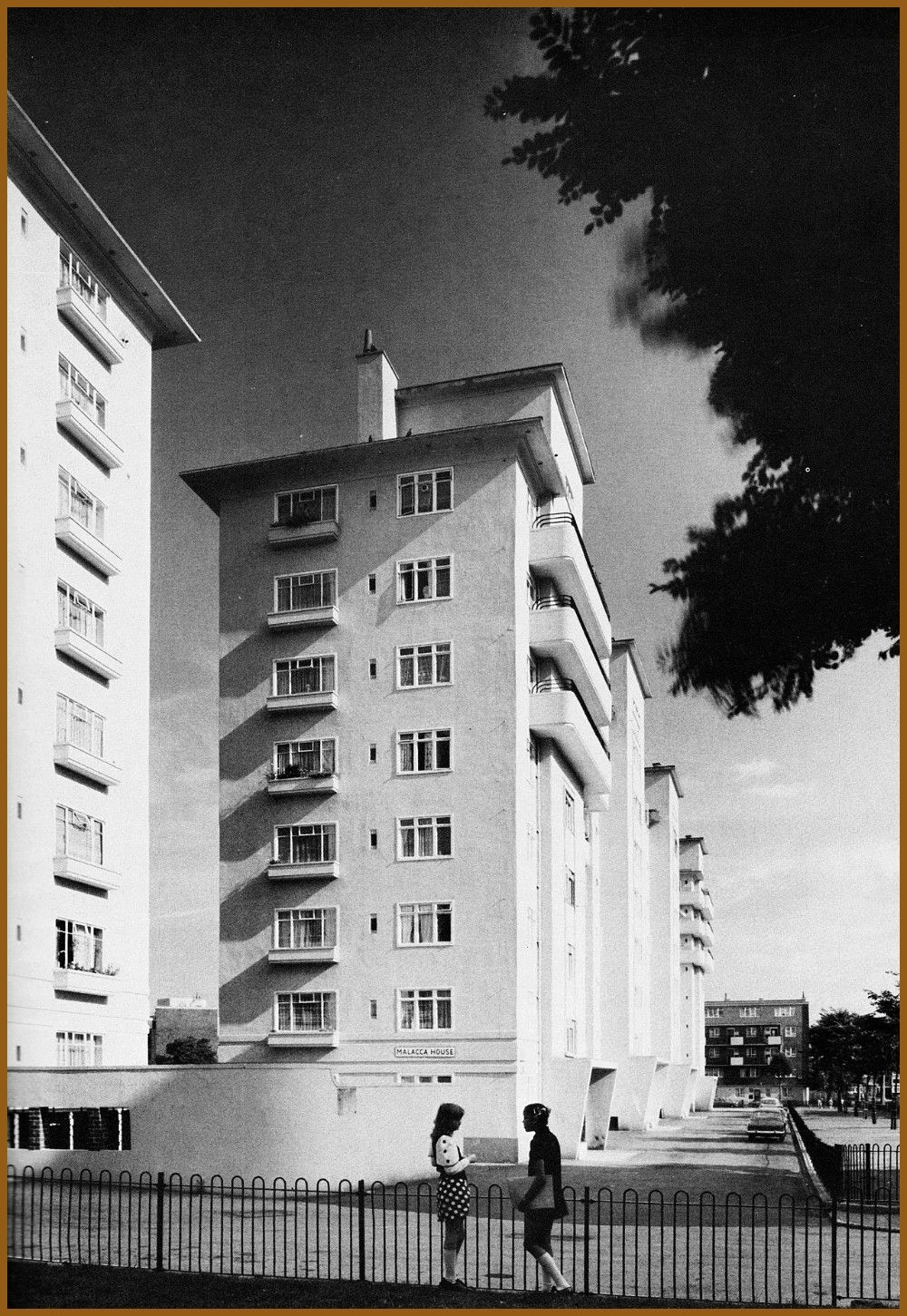London Ocean Estate Tower Hamlets 194857 by London County Council Architects Department Image from Home Sweet Home Housing Designed By Modern London Ocean Estate Tower Ha...