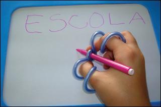 Adaptadores especiais para Material Escolar | Pra Gente Miúda