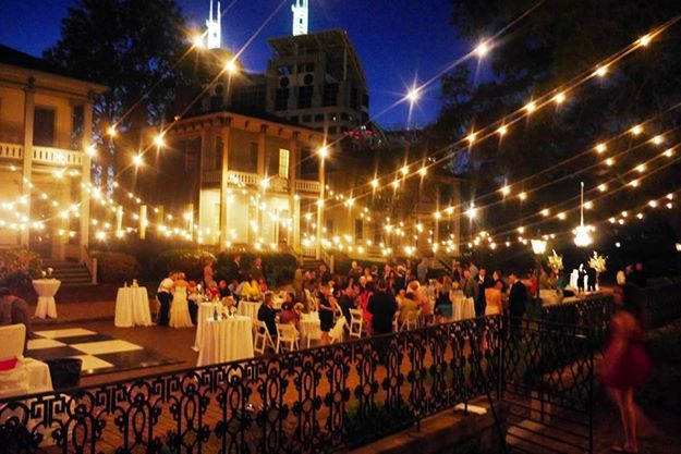 Have Your Wedding At The Fort Conde Inn Located In Downtown Mobile Alabama Southern Wedding Venues Florida Wedding Venues Destination Wedding Venues