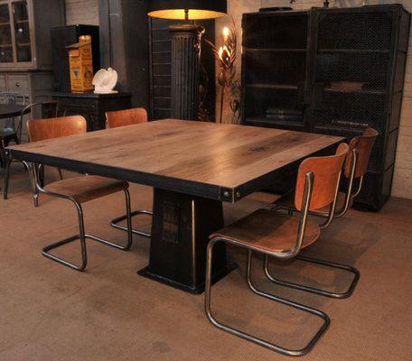 Table Carree Industrielle Palteau Chene Massif Table A Manger Bois Et Metal Salle A Manger Bois Massif Table Carree Bois