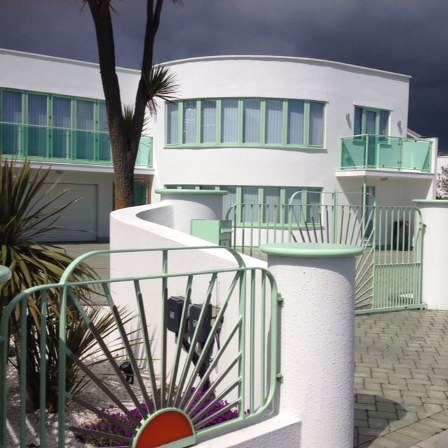 Art deco house frinton on sea also in pinterest rh