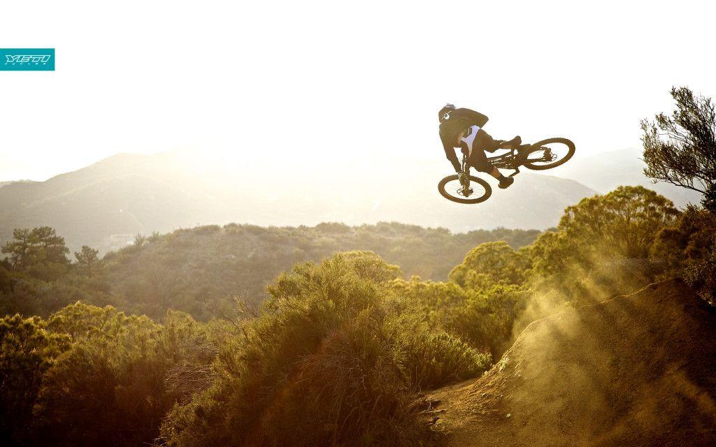 Mountain Bike Hd Wallpaper Downhill Mountain Biking Bicycle