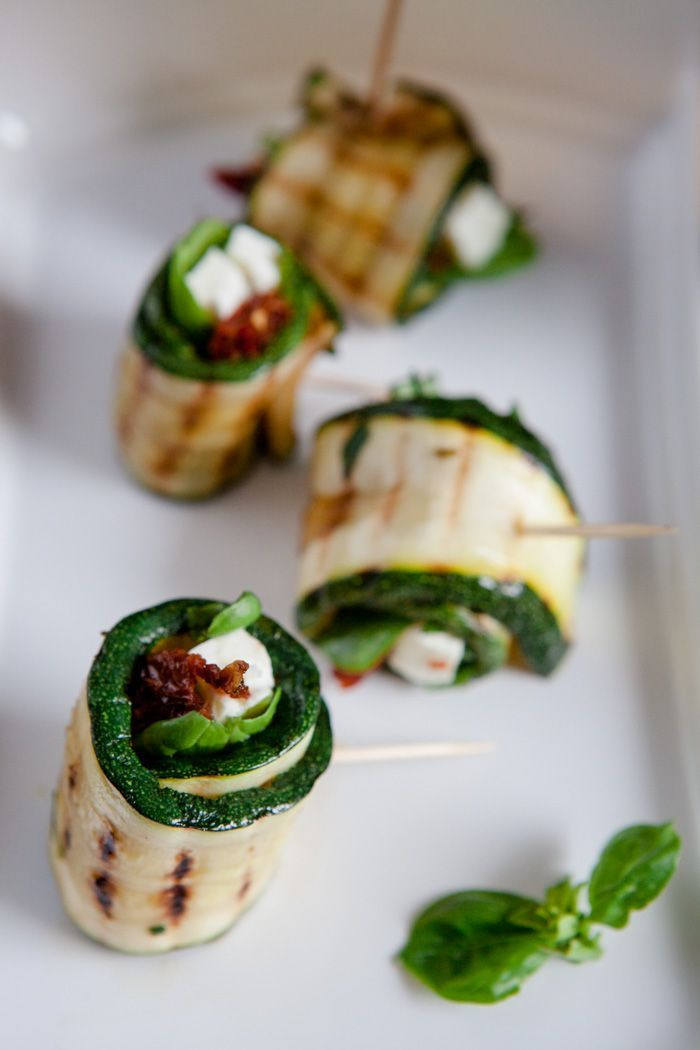 Photo of Grilled zucchini rolls with feta cheese and dried tomatoes – barbecue enjoyment – kitchen chaotin