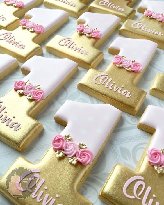 "Anna - thesweetesttiers.com on Instagram: ""These first birthday cookies make me smile. �#firstbirthdaycookies #goldcookies #decoratedcookies #customcookies #customdecoratedcookies…"""