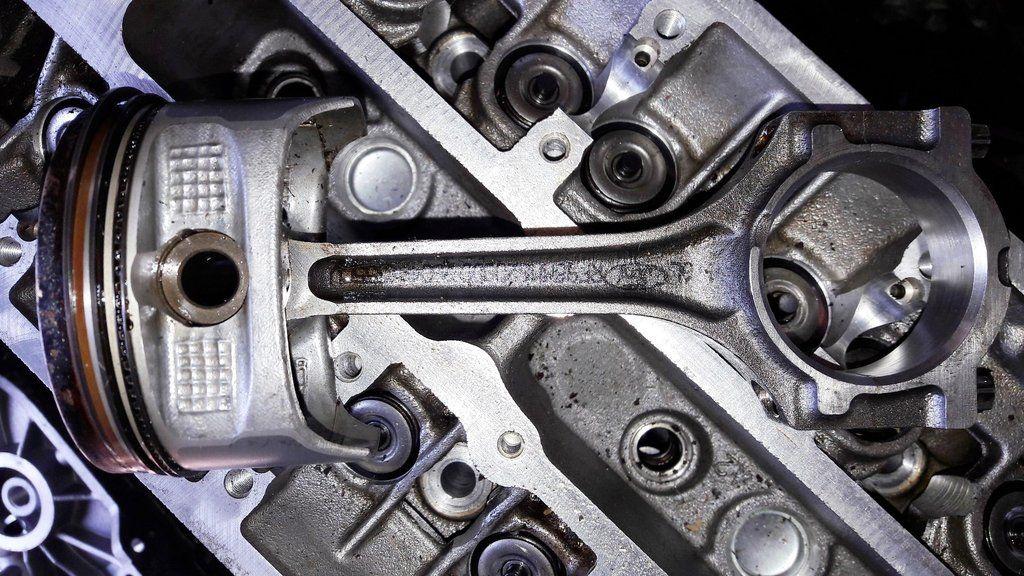 Engine Piston And Conrod Connecting Rod Ford 1 6 Iqja Iqjb