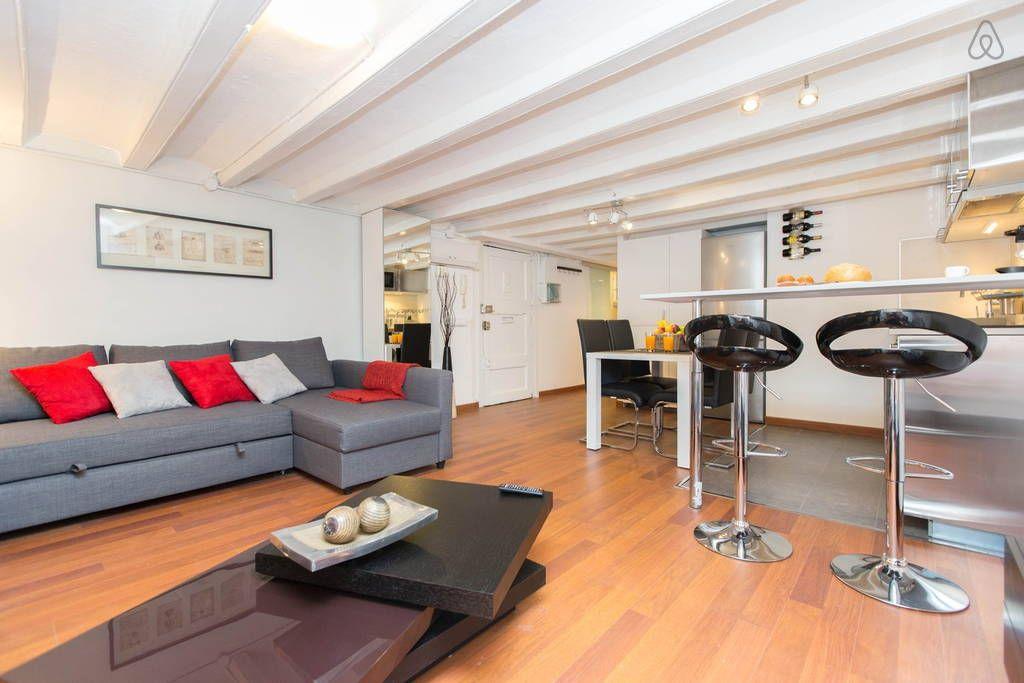 Schau Dir dieses großartige Inserat bei Airbnb an: NEW AMAZING FLAT GOTIC NEXT RAMBLA in Barcelona