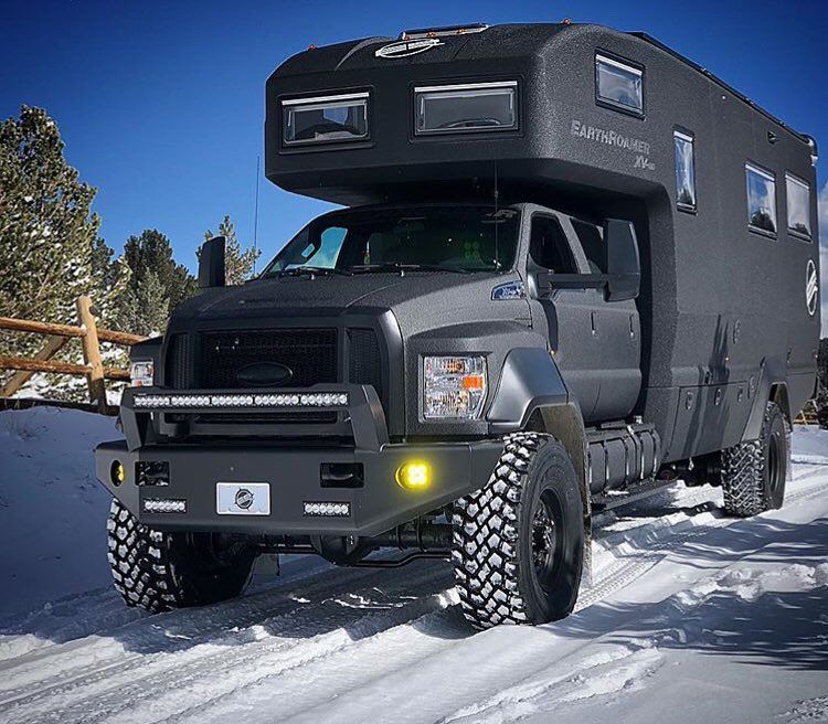 This 35 Xv Hd Earthroamer Is An Absolute Beast Built On A Ford F 750 4x4 With 115 Gallons Of Diesel Expedition Vehicle Overland Vehicles Expedition Truck
