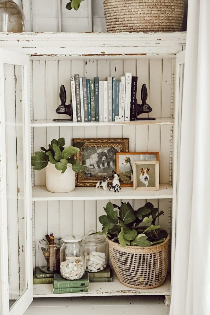 Photo of 5 Tips For Styling Cabinet Shelves