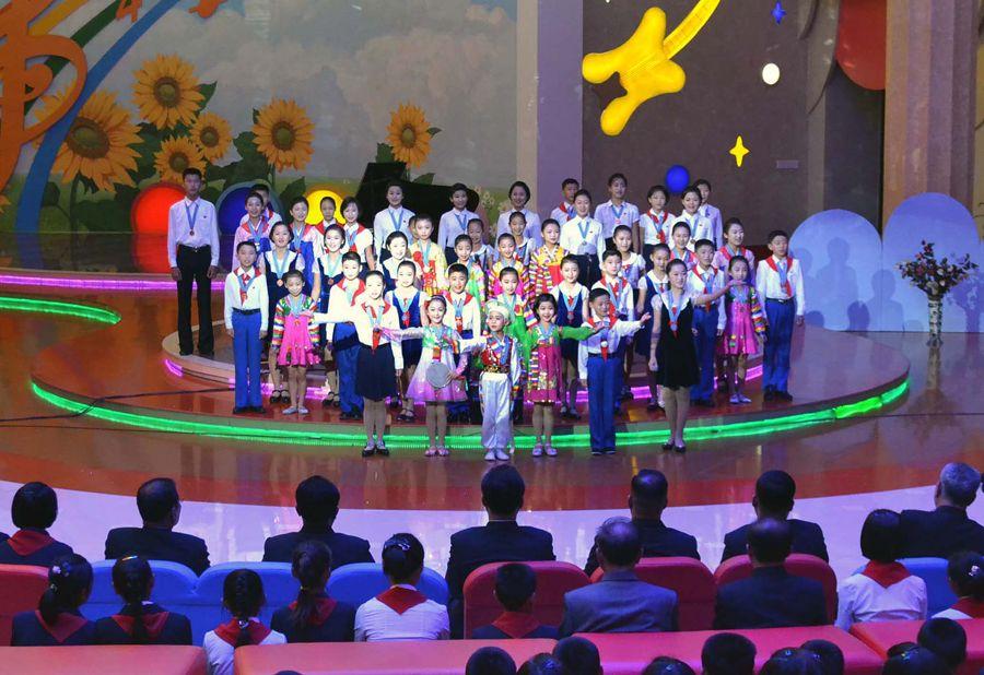 제11차 학생소년예술개인경연 입선자들의 종합발표회 진행