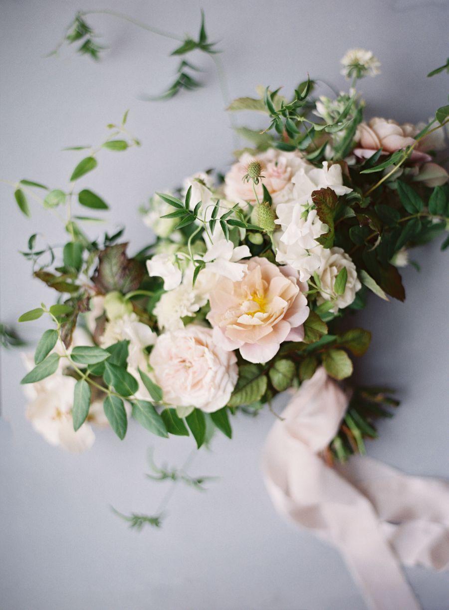 a stunning celebration of love found via dating app sdgarden rose bouquetbouquet - Blush Garden Rose Bouquet