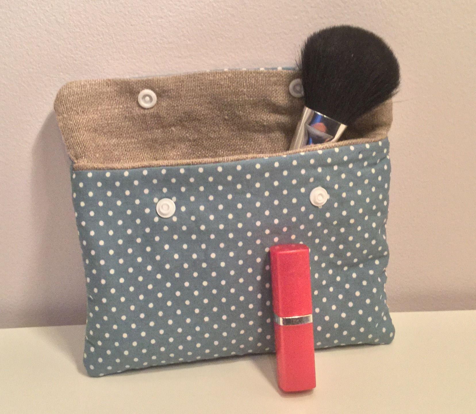 Pochette ou petite trousse en coton doublé de lin pour le maquillage ou les papiers