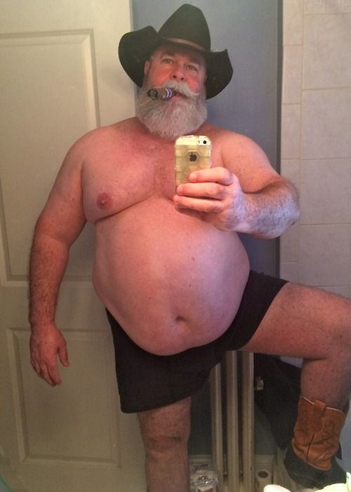 redneck mature bear goes down on dude