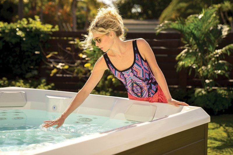 Easy Hot Tub Chlorine Water Care Maintenance Chlorine Water Spa