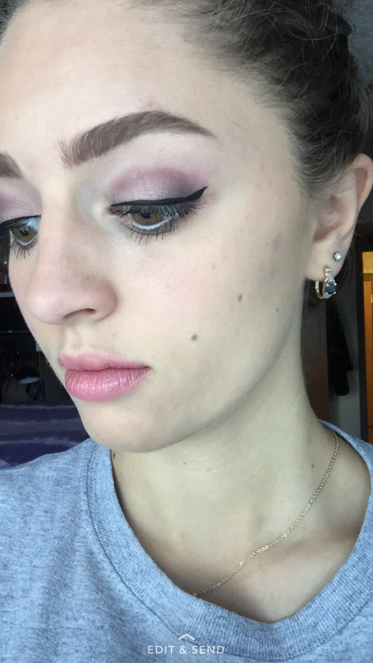 Too faced grand hotel look: Base: peppermint cream  Crease: Santa baby (Spray setting spray on brush) Christmas blend: lid Peppermint mocha: outer corner  Coffee chip: outer corner into the crease